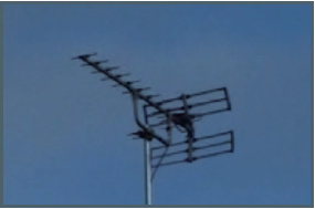 TV aerial with horizontal bars